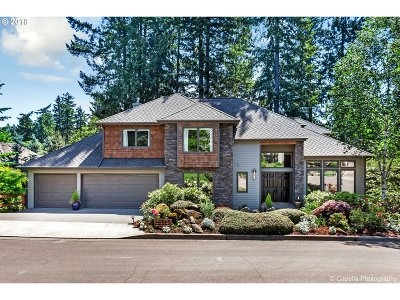 Lake Oswego Single Family Home For Sale: 16717 Sylvan Ct