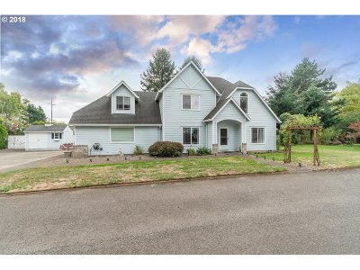 Single Family Home For Sale: 2655 NE Cleveland Ave