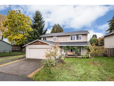 Scappoose Single Family Home For Sale: 33420 Sycamore St