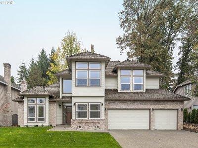 Lake Oswego Single Family Home For Sale: 13845 Amberwood Cir