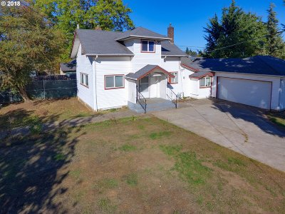 Single Family Home For Sale: 5807 SE Tolman St