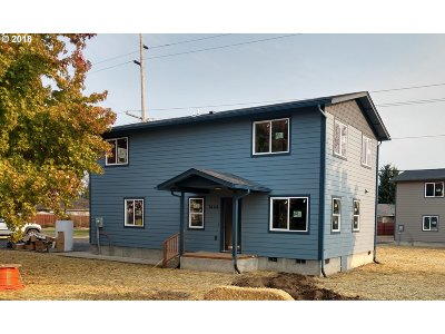 Sutherlin Single Family Home For Sale: 1458 E Central Ave