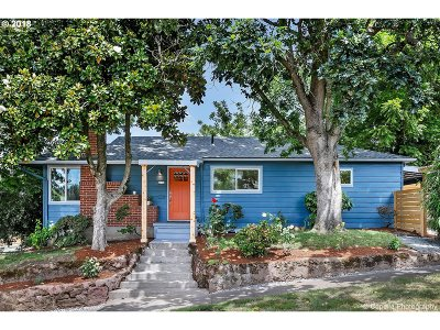 Single Family Home For Sale: 4211 SE Cora St