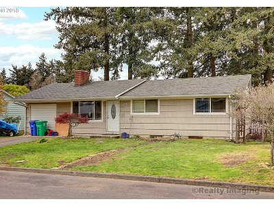 Portland Single Family Home For Sale: 1039 SE 168th Ave