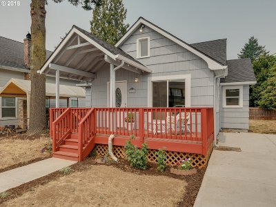 Single Family Home For Sale: 5265 SE Lambert St