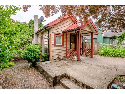 Portland Single Family Home For Sale: 4556 NE 98th Ave