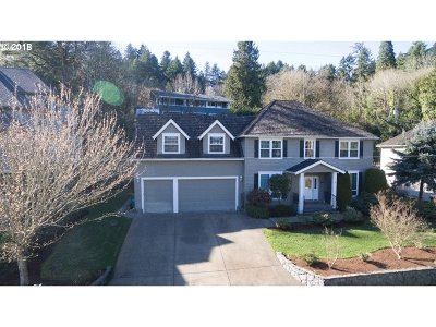 Lake Oswego Single Family Home For Sale: 13479 Fielding Rd