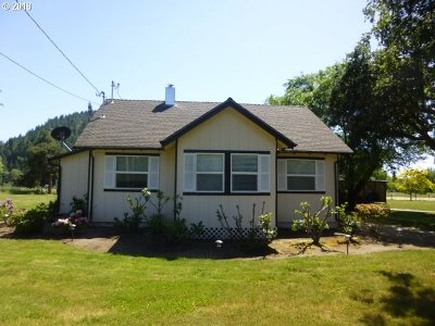 Canyonville Single Family Home For Sale: 10561 Tiller Trail Hwy