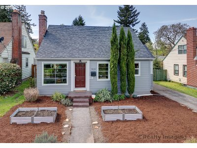 Portland Single Family Home For Sale: 7929 N Washburne Ave