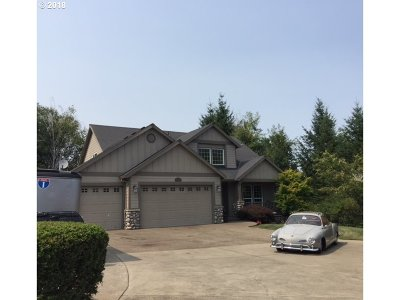 Oregon City Single Family Home For Sale: 19399 Orchard Grove Dr