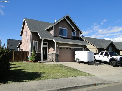 Junction City Single Family Home For Sale: 976 SW Coral St