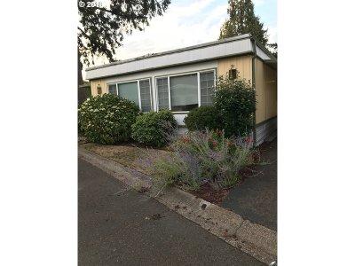 Eugene Single Family Home For Sale: 1475 Green Acres Rd #45