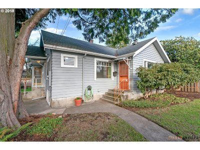 Gresham Single Family Home For Sale: 203 NW 11th St