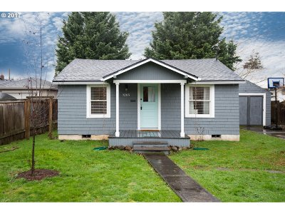 Portland Single Family Home For Sale: 3205 NE 74th Ave