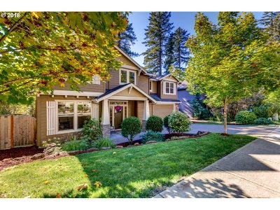 Lake Oswego Single Family Home For Sale: 6414 Frost St