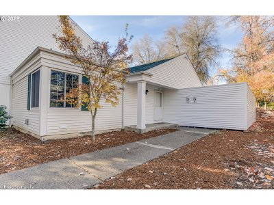 Beaverton Single Family Home For Sale: 6005 SW Erickson Ave