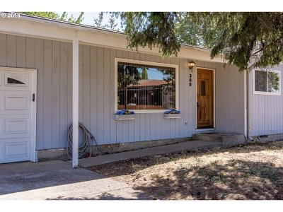 Cottage Grove, Creswell Single Family Home For Sale: 300 S 10th St