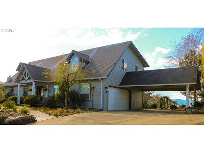 Roseburg Single Family Home For Sale: 275 Ridgecrest Dr