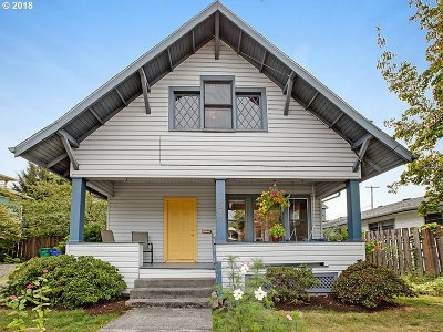Portland Single Family Home For Sale: 6214 SE Ivon St