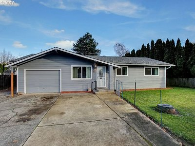 Single Family Home For Sale: 826 SE 223rd Ave
