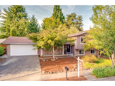 Portland Single Family Home For Sale: 3725 NW Olympic Dr