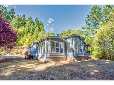 Coos Bay Single Family Home For Sale: 63452 Daniels Creek Rd