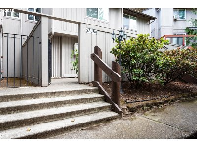 Wood Village Condo/Townhouse Bumpable Buyer: 23884 NE Treehill Dr