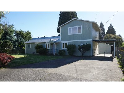 Portland Single Family Home For Sale: 143 NE 188th Ave