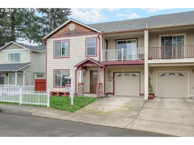 Portland Single Family Home For Sale: 4207 SE 94th Ave
