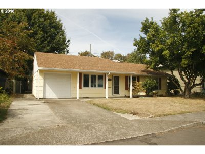 Portland Single Family Home For Sale: 9243 N Fortune Ave