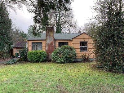 Lake Oswego Single Family Home For Sale: 5850 Kenny St