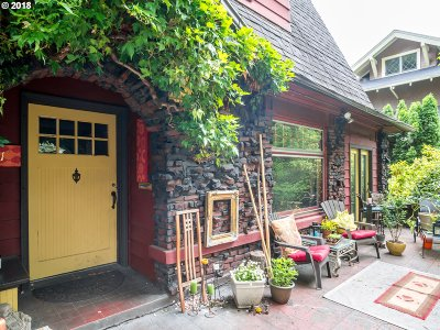Portland Single Family Home For Sale: 2311 NE Schuyler St