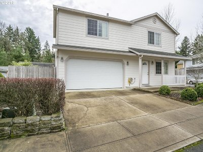 Portland Single Family Home For Sale: 6426 SE 144th Ln