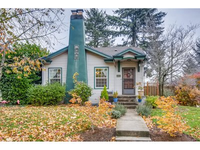 Portland Single Family Home For Sale: 3304 NE 66th Ave