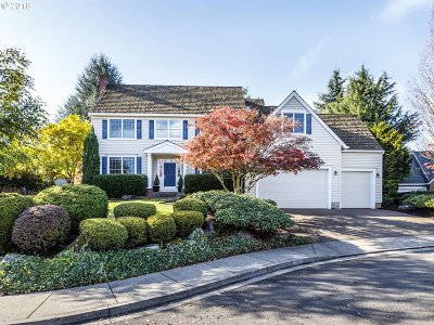 West Linn Single Family Home For Sale: 22441 McKenzie Ct