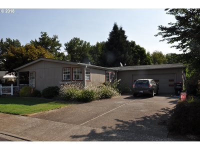 McMinnville Single Family Home For Sale: 1062 NW Arrowood Dr