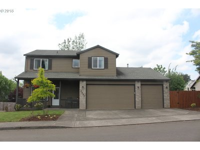 Gresham Single Family Home For Sale: 1221 SE Ironwood Ln