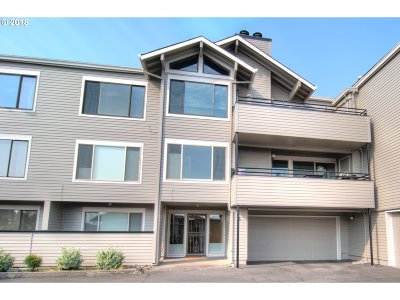 Vancouver Condo/Townhouse For Sale: 6902 SE Riverside Dr #6
