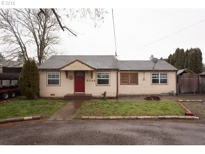 Portland Single Family Home For Sale: 5246 SE 111th Ave