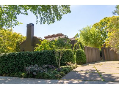 Portland Single Family Home For Sale: 127 NE Cesar E Chavez Blvd