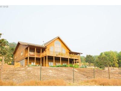 Roseburg Single Family Home For Sale: 1610 Darley Dr