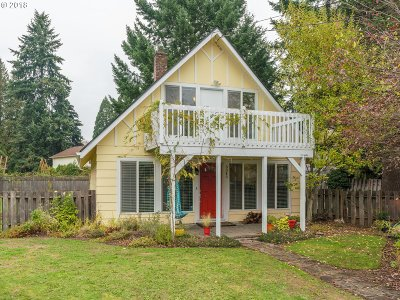 Milwaukie Single Family Home For Sale: 3345 SE Hill Rd