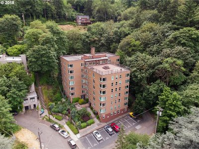 Portland Condo/Townhouse For Sale: 1205 SW Cardinell Dr #403
