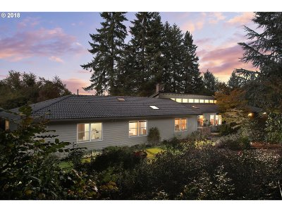 Lake Oswego Single Family Home For Sale: 1149 Cherry Ln
