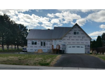 Hermiston Single Family Home For Sale: 958 E Newport Ave