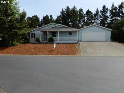 Florence Single Family Home For Sale: 482 Sherwood Loop