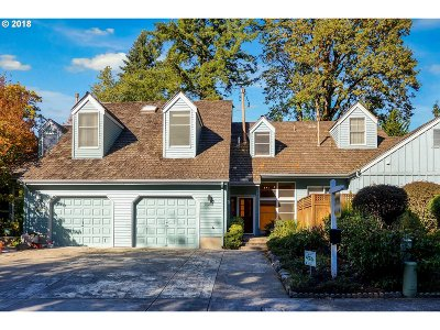 Lake Oswego Single Family Home For Sale: 15252 Boones Way