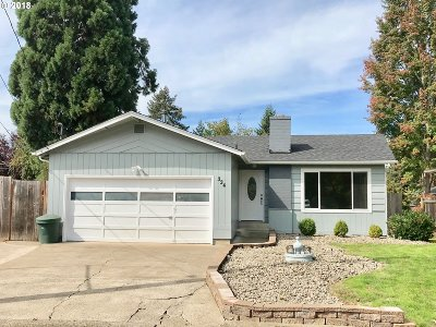 Roseburg Single Family Home For Sale: 334 W Susan St