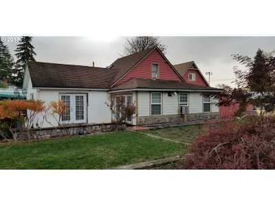 Molalla Single Family Home For Sale: 640 E Main St