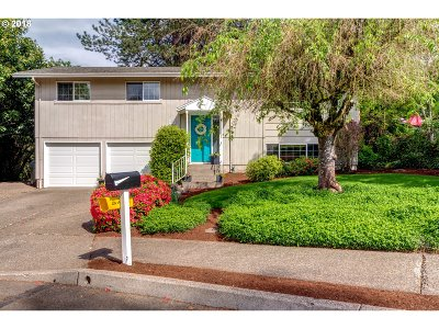West Linn Single Family Home For Sale: 1675 April Ct
